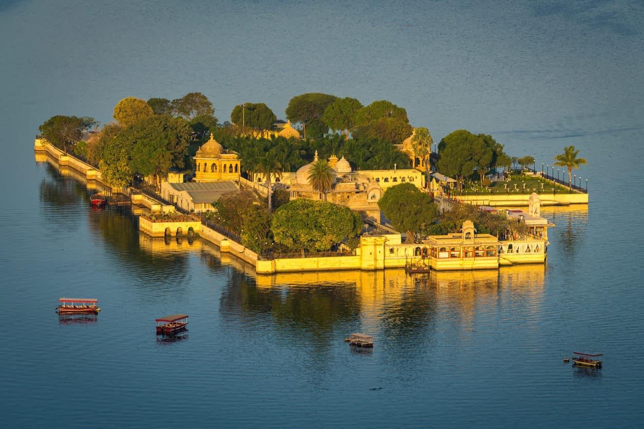 Jag Mandir Palace, Lake Pichola, Udaipur, Rajasthan, India