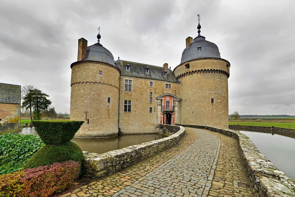 Lavaux-Sainte-Anne Castle