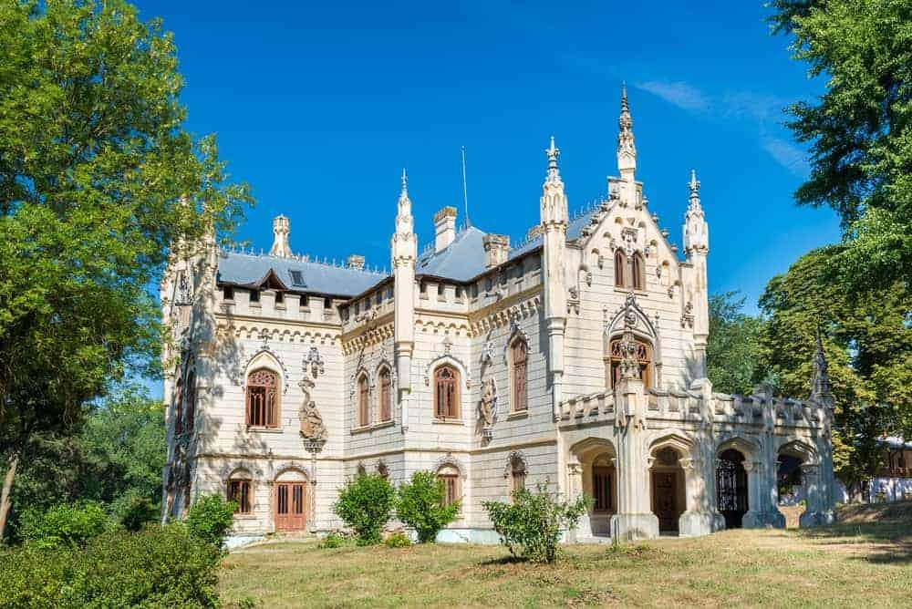 Miclauseni Castle