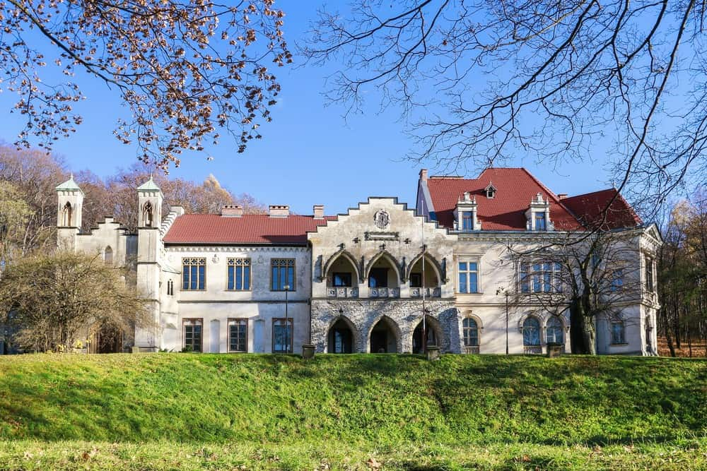 Mloszowa Castle