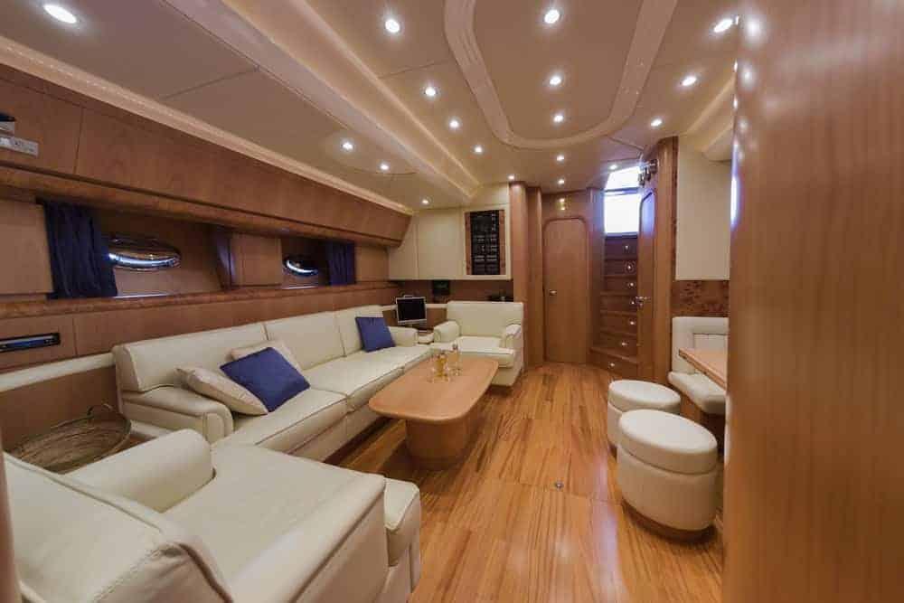 RIZZARDI 73HT luxury yacht living room salon