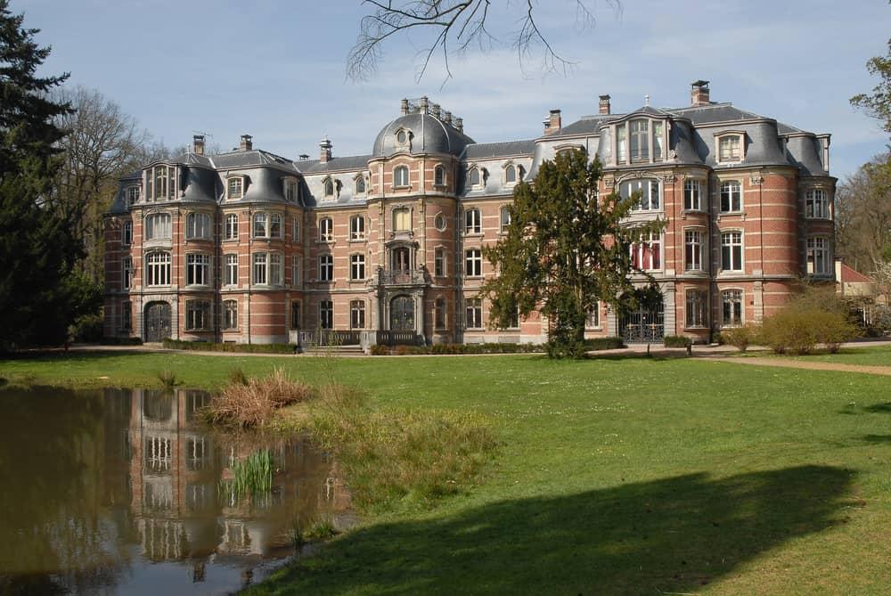 Ravenhof manor house in Stabroek