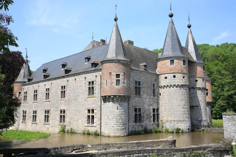 Spontin Castle
