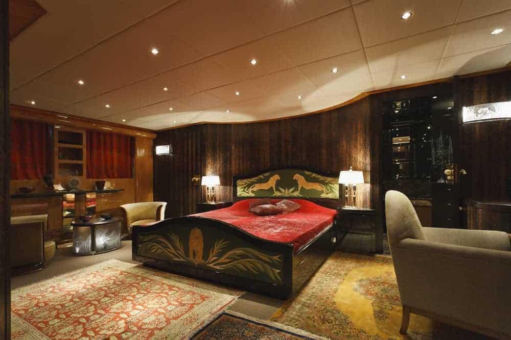 Tecnomar 35 Open luxury yacht stateroom