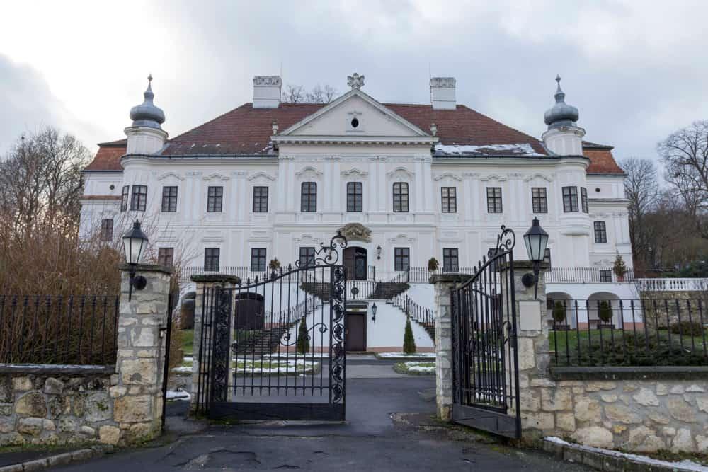 Teleki-Degenfeld castle