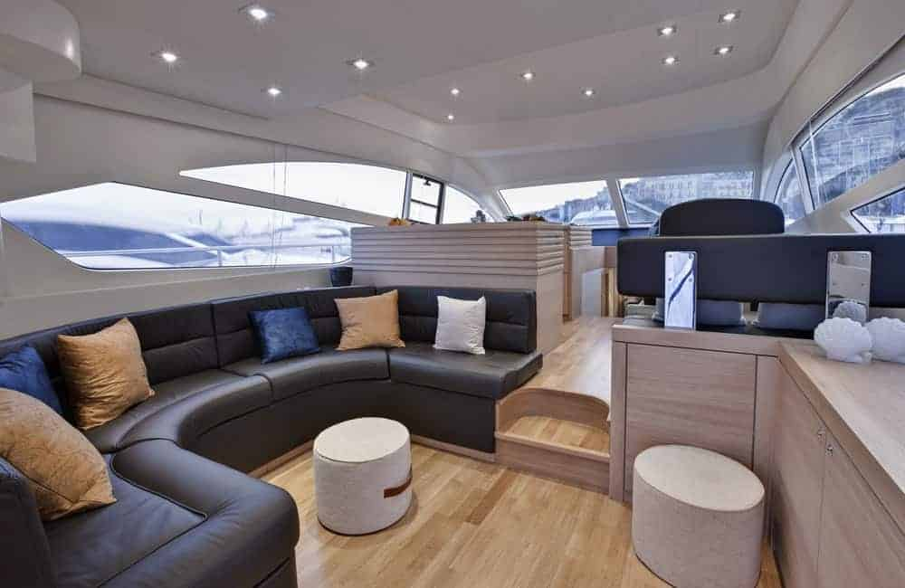 Upper salon Abacus 52 yacht