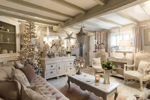Beige Shabby-Chic living room.