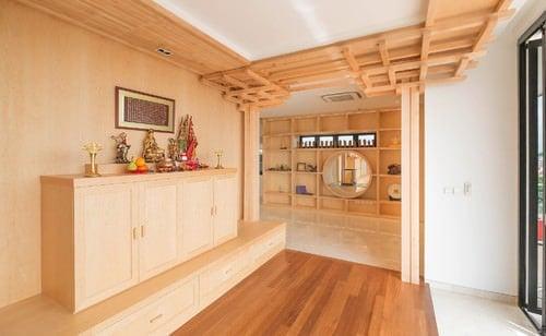 Light brown Asian foyer.
