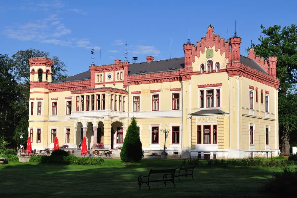 castle Mostov