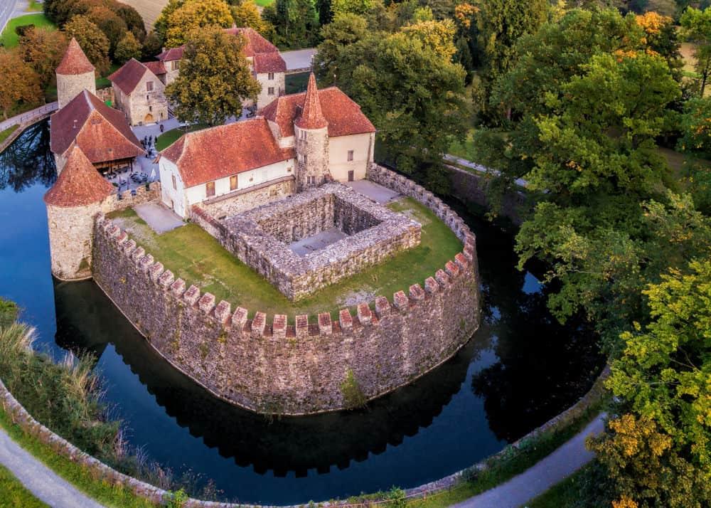Castle Wasserschloss Hallwyl