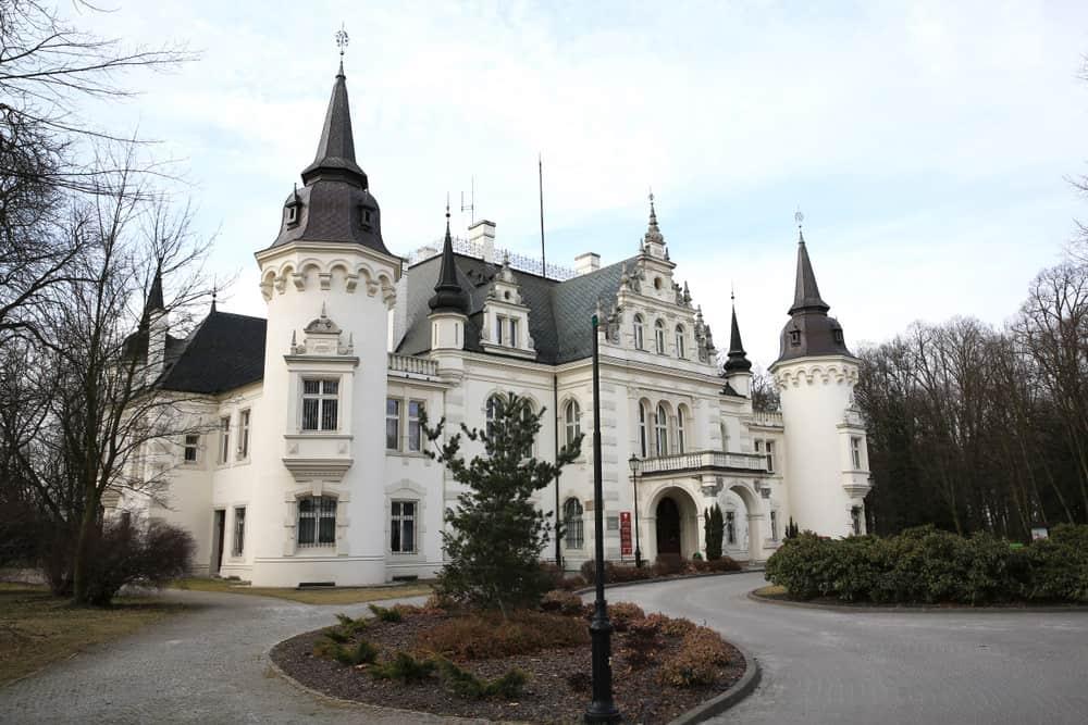 Castle in Jelcz-Laskowice