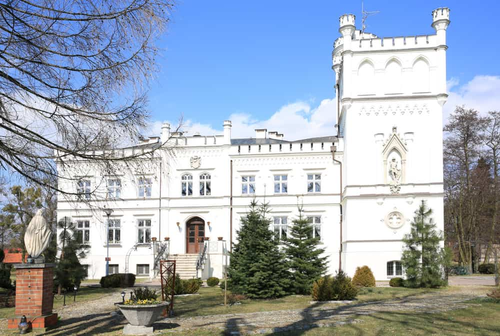 Historic mansion in Morzow