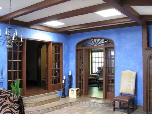 Royal blue Southwestern foyer.