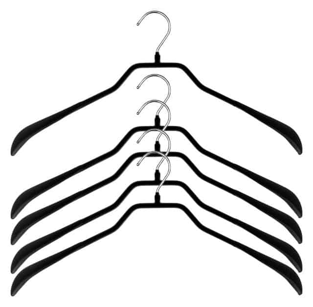 Clothes hanger with wide shoulder