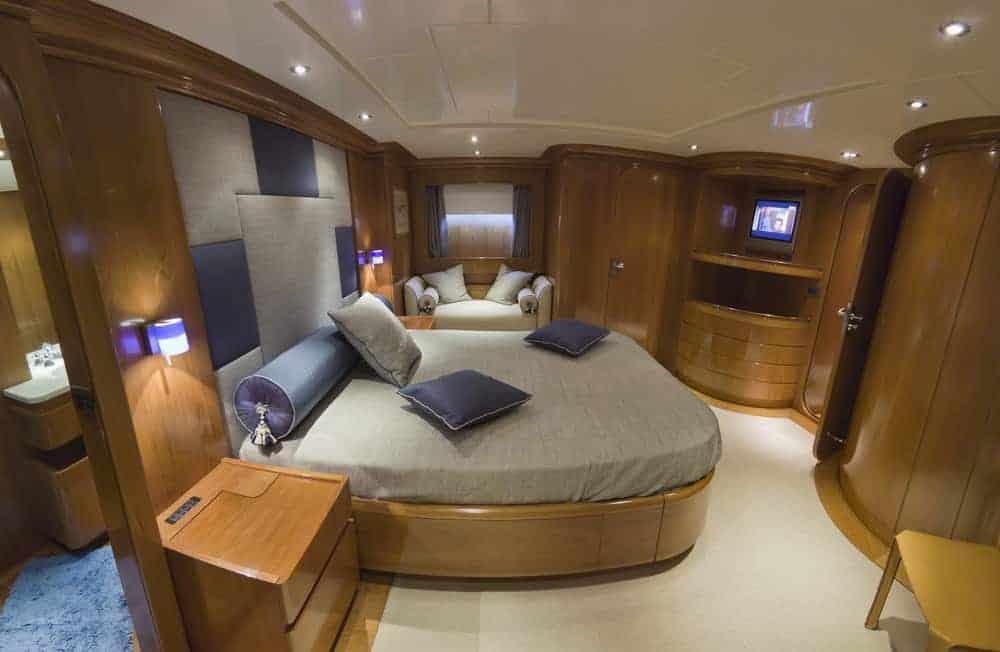 primary bedroom luxury yacht