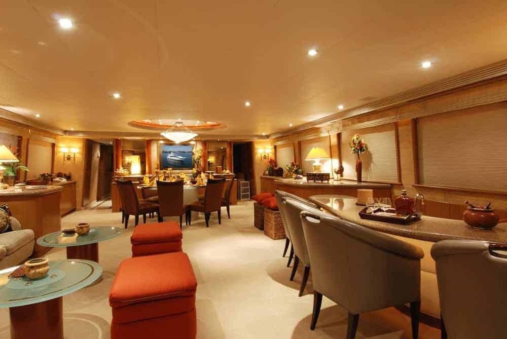 mega luxury yacht salon