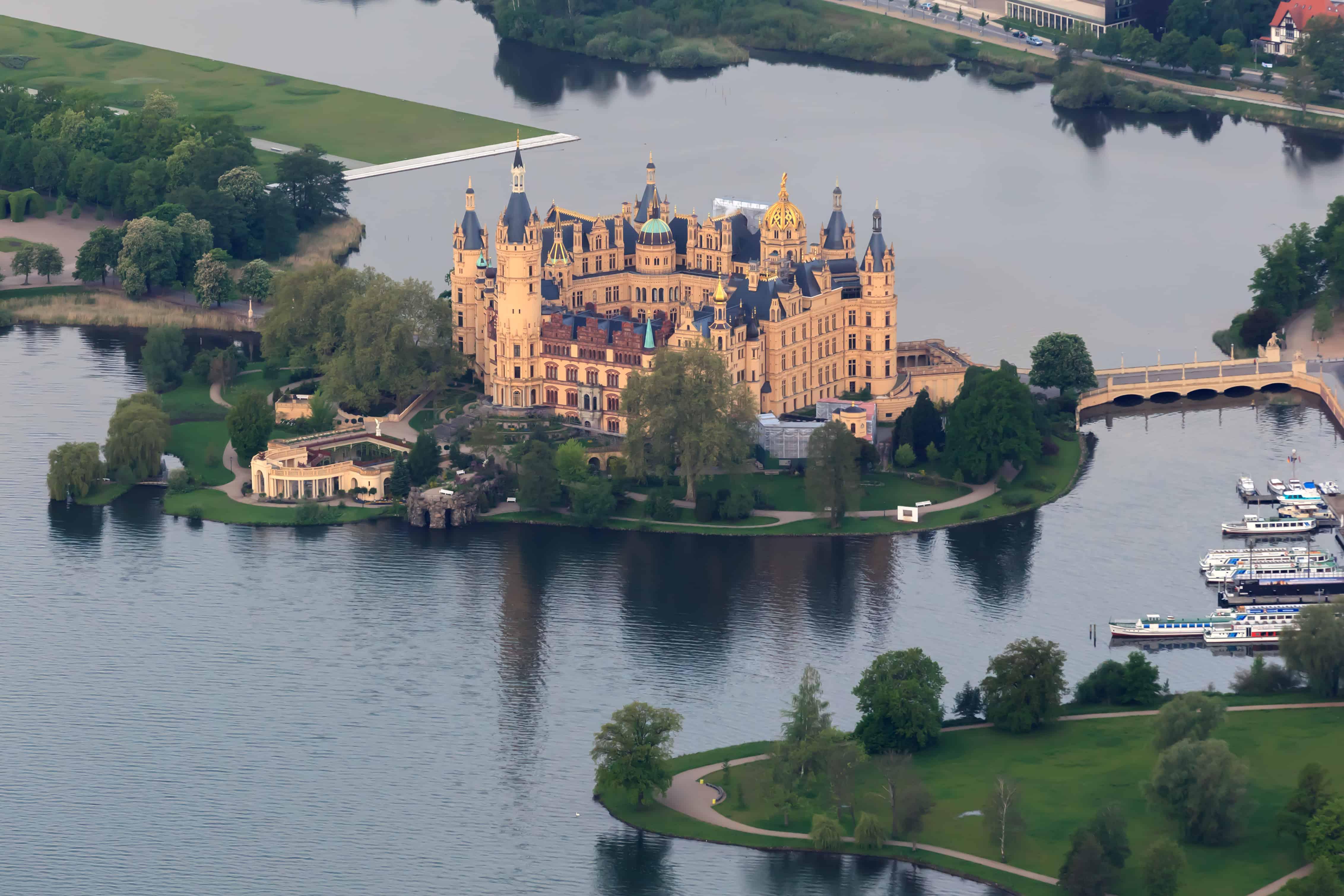 Schwerin Castle (aerial view)