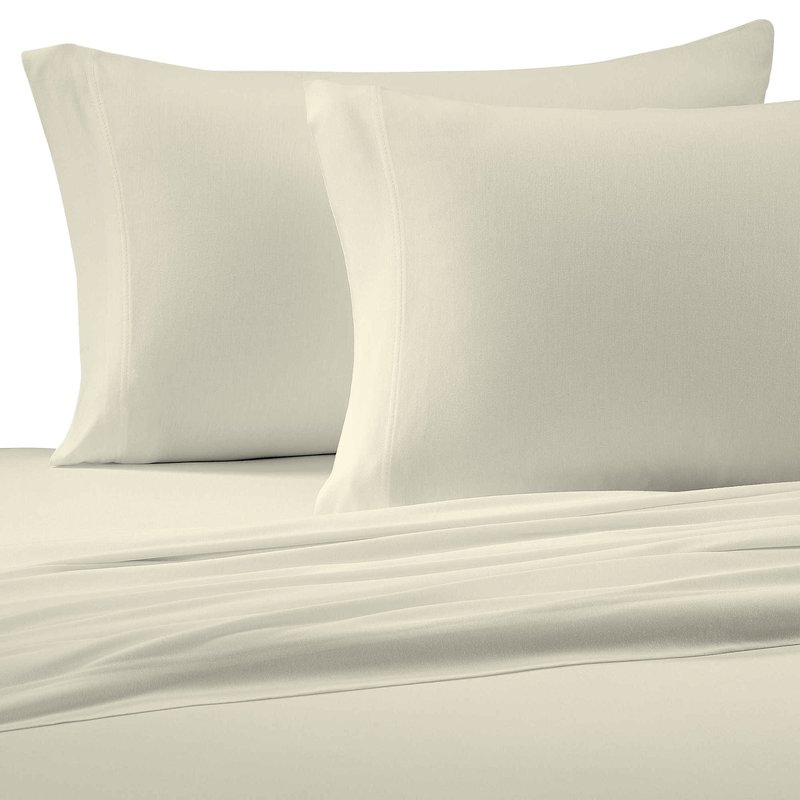 Bed sheet with thread count of up to 250