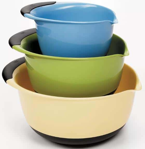Beige, blue and green mixing bowls with a friction grip.