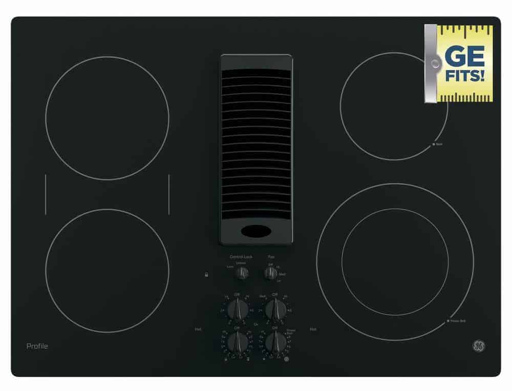 Black lelectric cooktop with Downdraft Extractor.