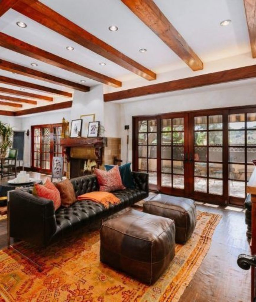 cher-beverly-hills-home-living-room-072718