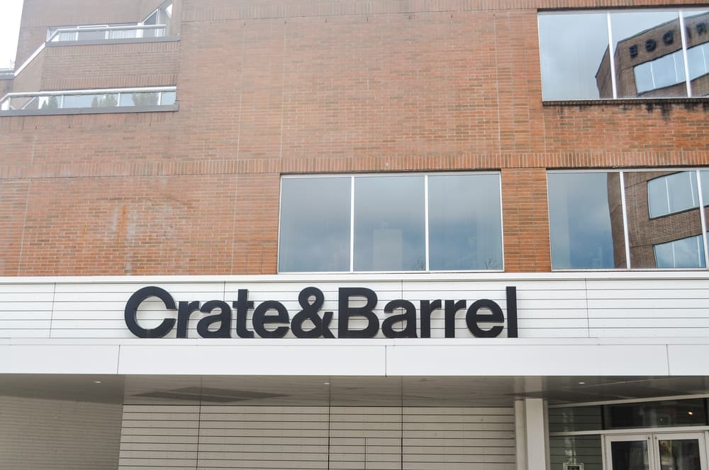 Crate&Barrel store at Oakridge Center Vancouver, BC Canada.