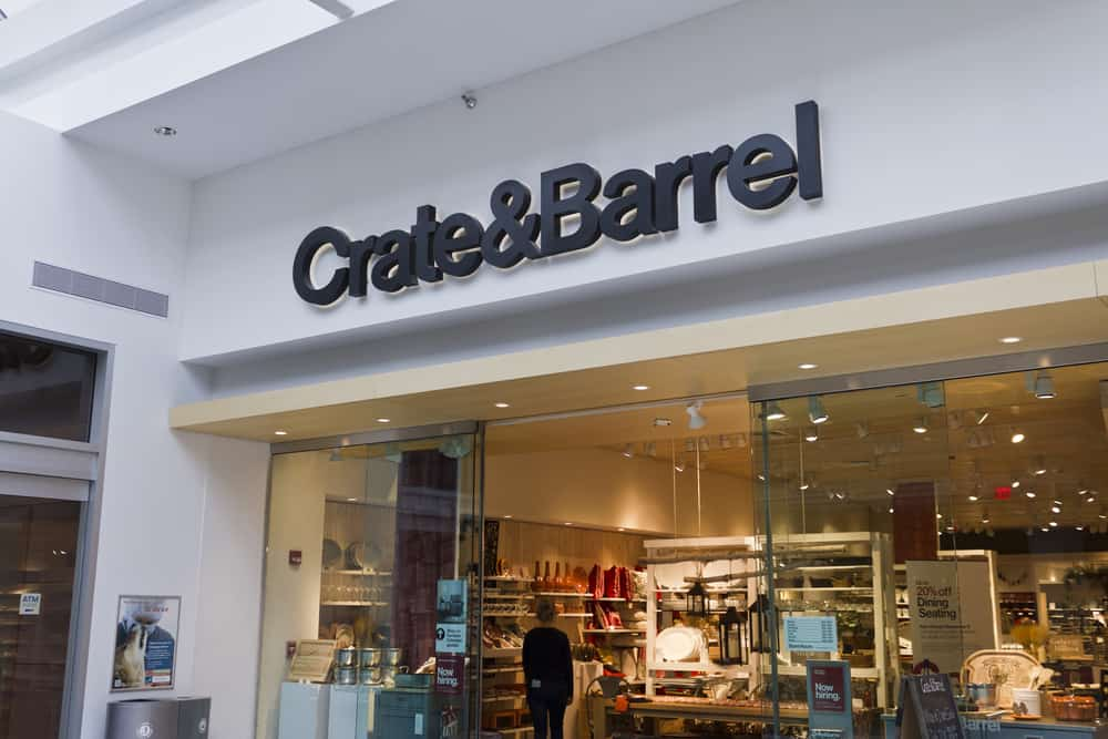 Entrance to Crate&Barrel retail store in Indiniapolis.
