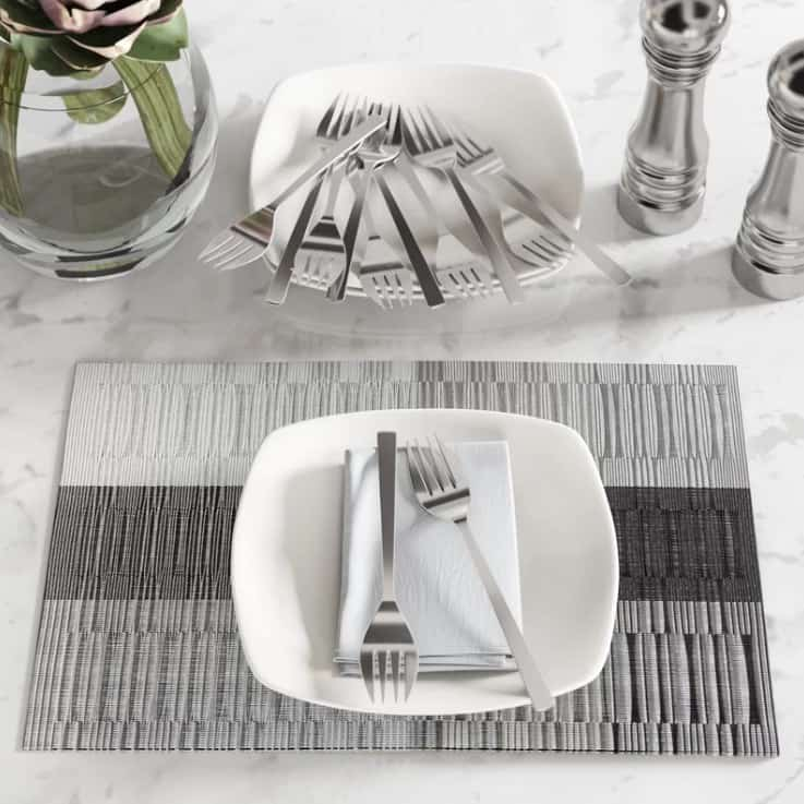 Made from 18/0 stainless steel in a satin silver finish, these dinner forks are well-balanced and tarnish-proof.