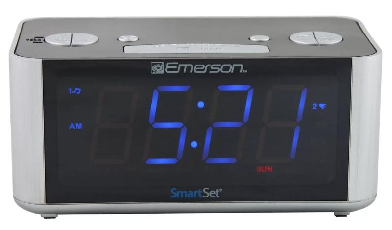 Rectangular radio alarm clock in Gray.
