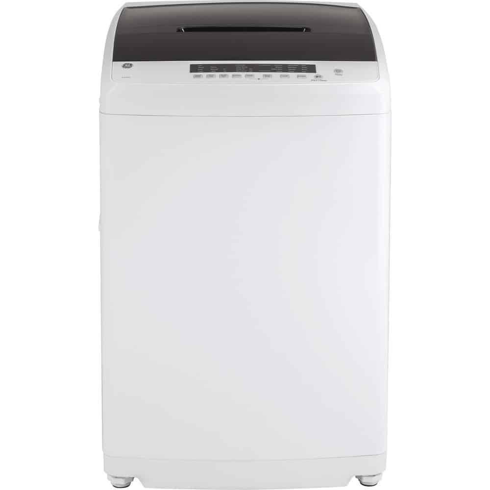 Washing machine with adjustable legs