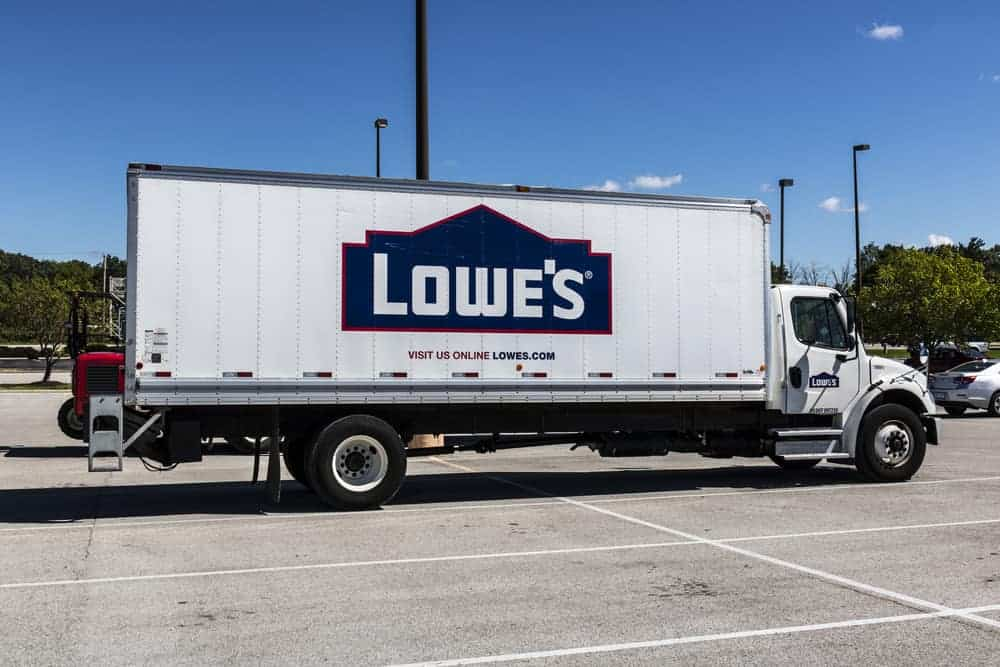 Lowe's delivery truck.