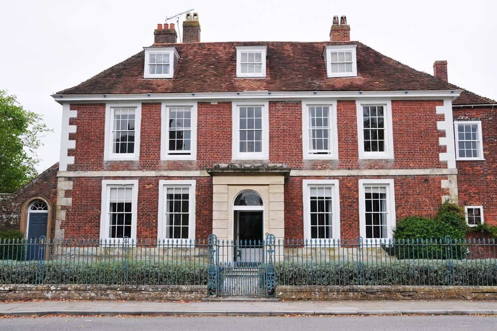 Another stately red brick house. Go figure. You have to admit this is a great style and it's no wonder it's popular.
