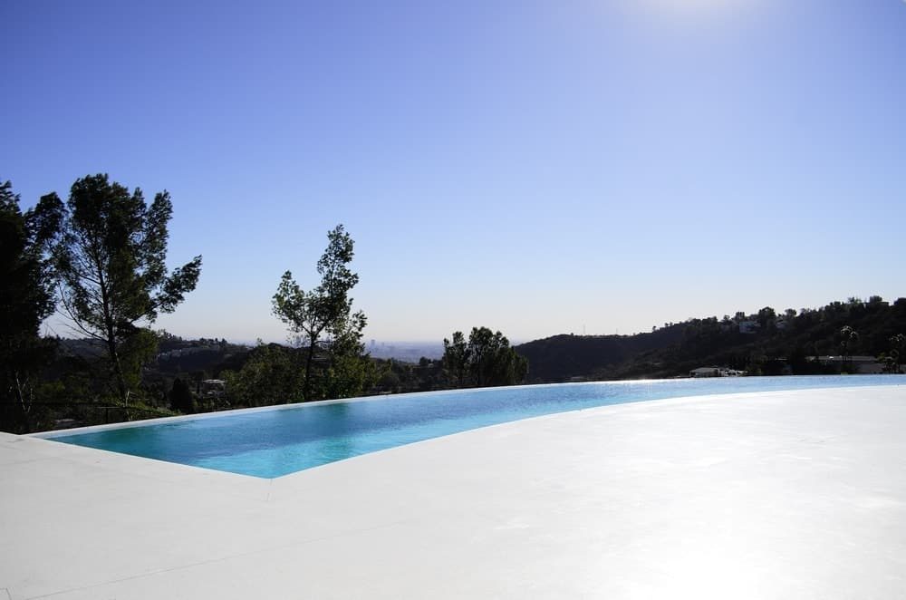 The house overlooks the Mulholland drive. Photo Credit: Gerhard Heusch