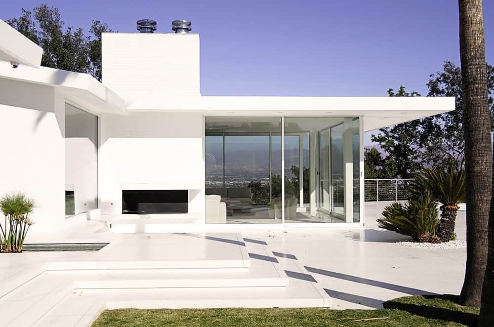 Another look of the house from outside featuring its modern style architecture. Photo Credit: Gerhard Heusch