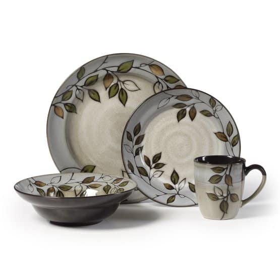 Pfaltzgraff Everyday Rustic Leaves dinnerware set is a beautiful example of the high-quality ceramic handiwork that has made Pfaltzgraff the best-loved name in stoneware with elegant rustic leaves design in green, gold, and white.