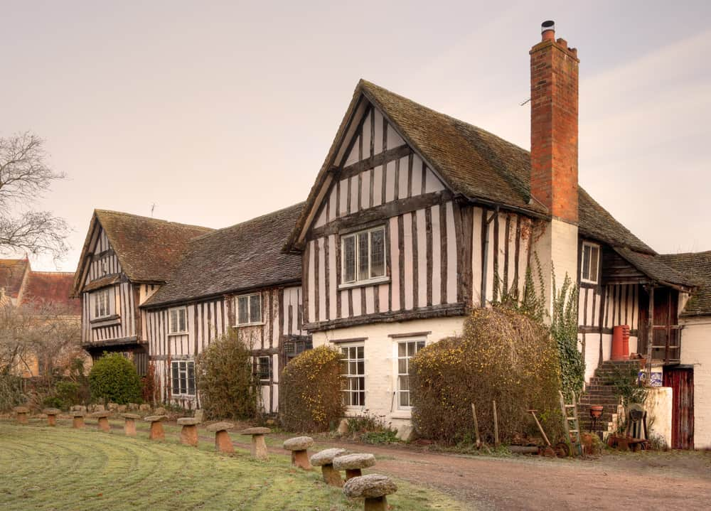 30 Tudor Style Homes & Mansions (Historic and Contemporary ...