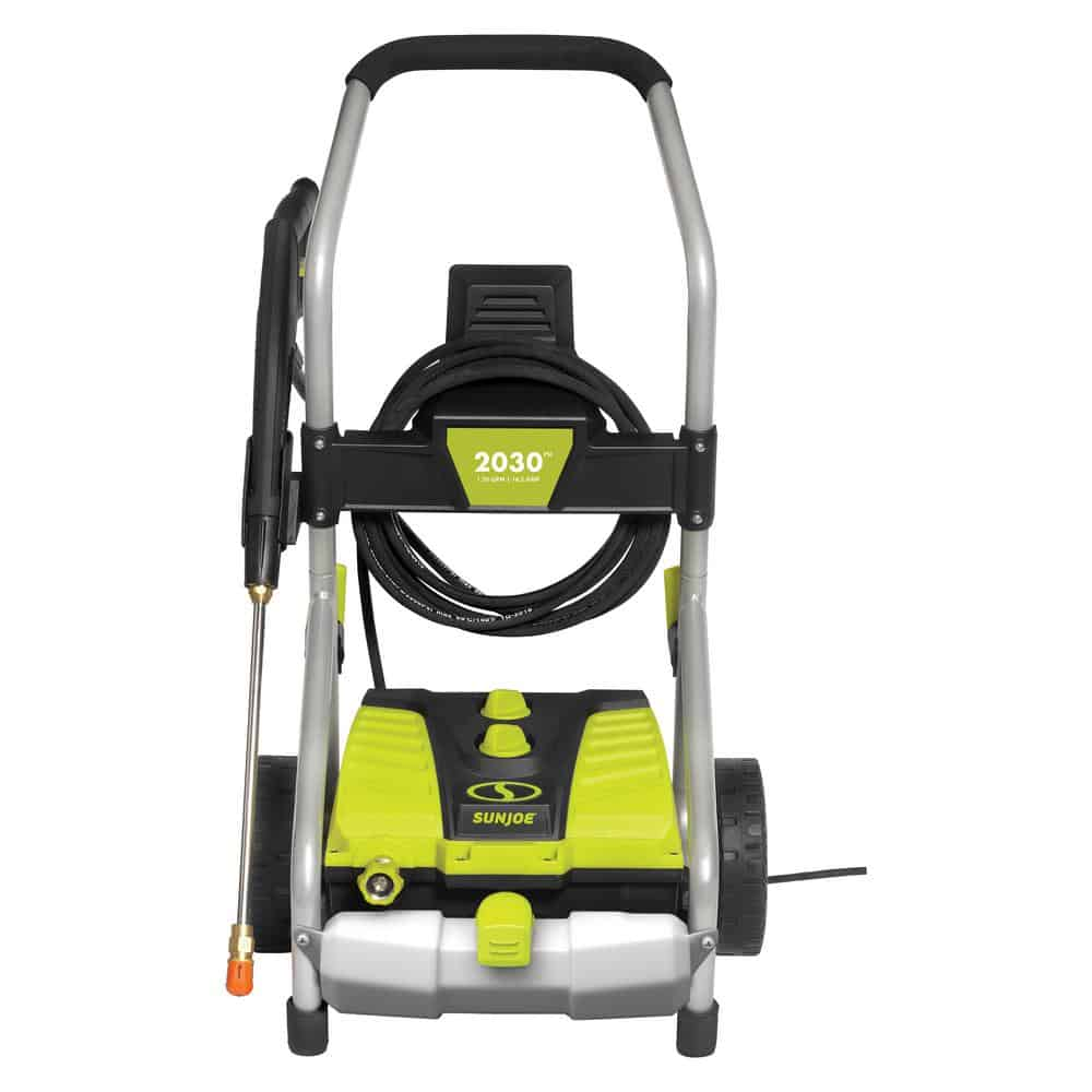 Pressure washer with a pressure selection technology.