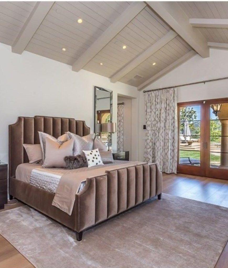 chris-paul-calabasas-home-bedroom-082718