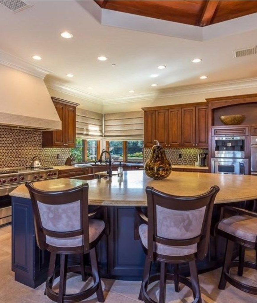 chris-paul-calabasas-home-kitchen-082718
