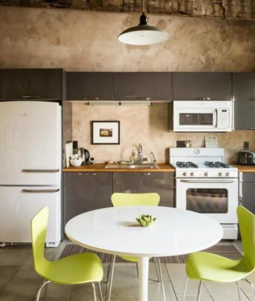 diane-keaton-tuscon-adobe-kitchen2-080318