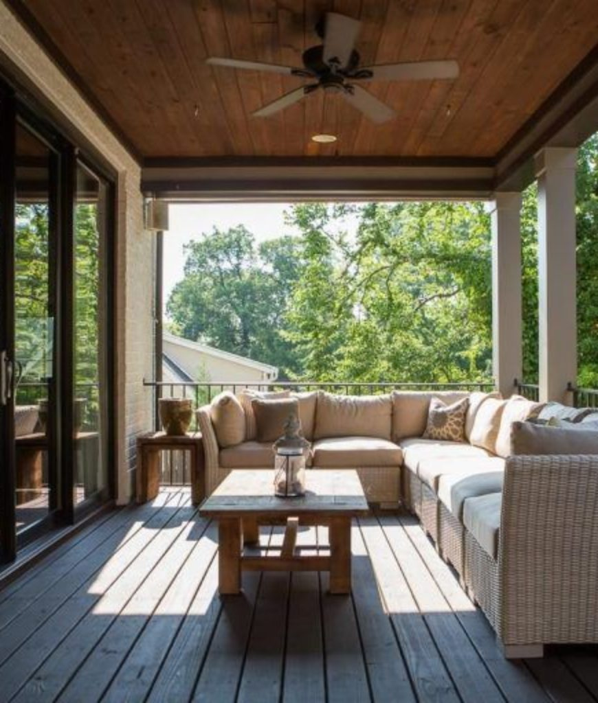 hayden-panettiere-and-wladimir-klitschko-nashville-home-deck-patio2-081018