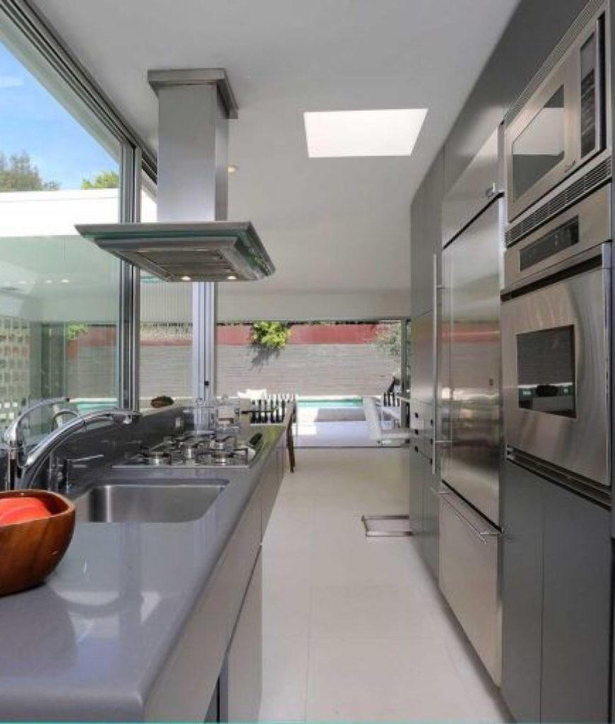 jamie-dornan-hollywood-hills-home-kitchen2-082418