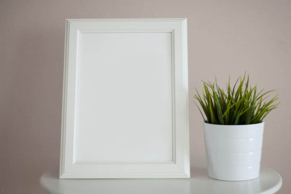 Rectangular picture frame in white.