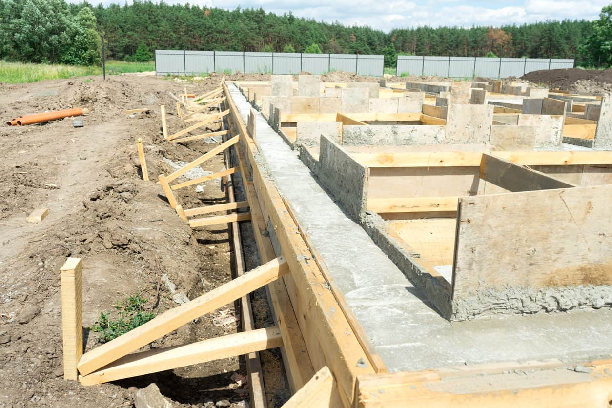 Removable concrete form for house foundation