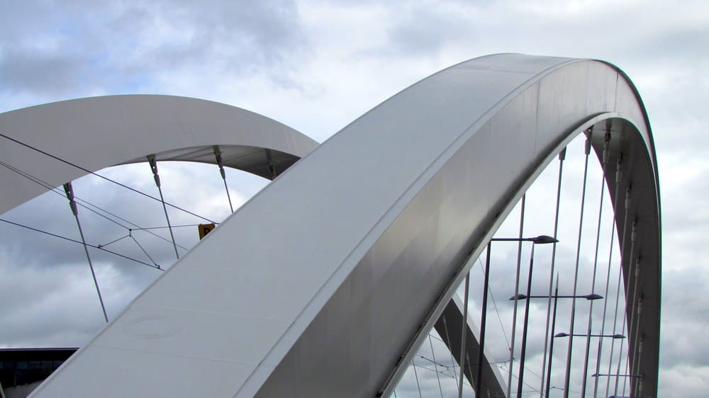 Steel arch for long bridge