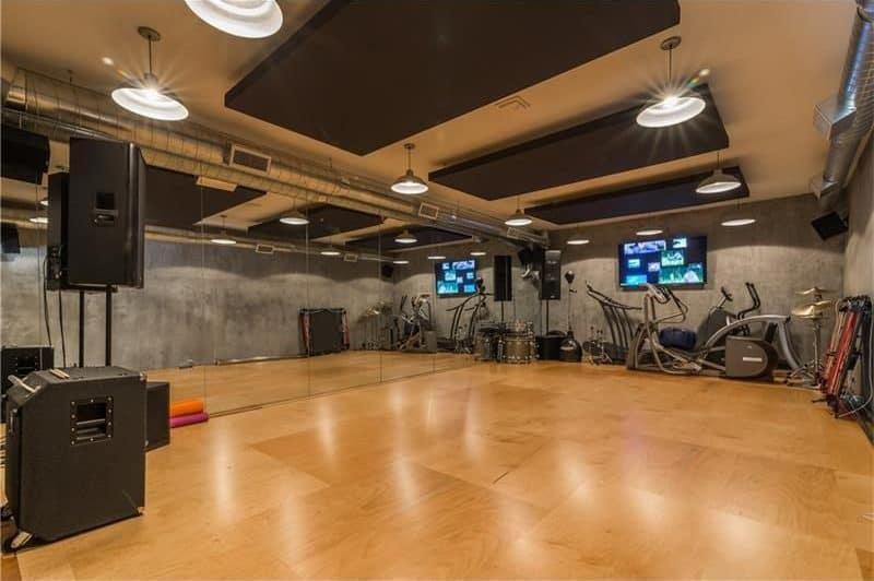 There's a large gym in the property, which also serves as Usher's dance studio.