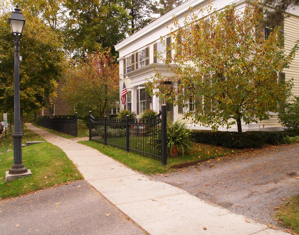 White Federalist Colonial style house