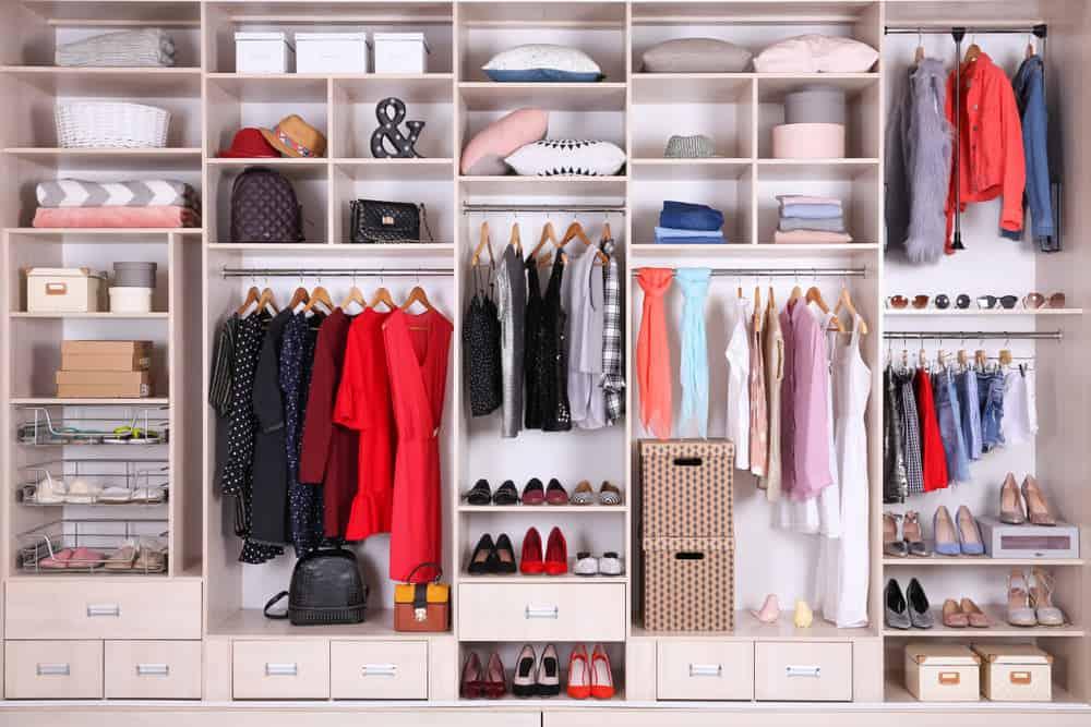 Bon Walk In Closet Shoe Storage