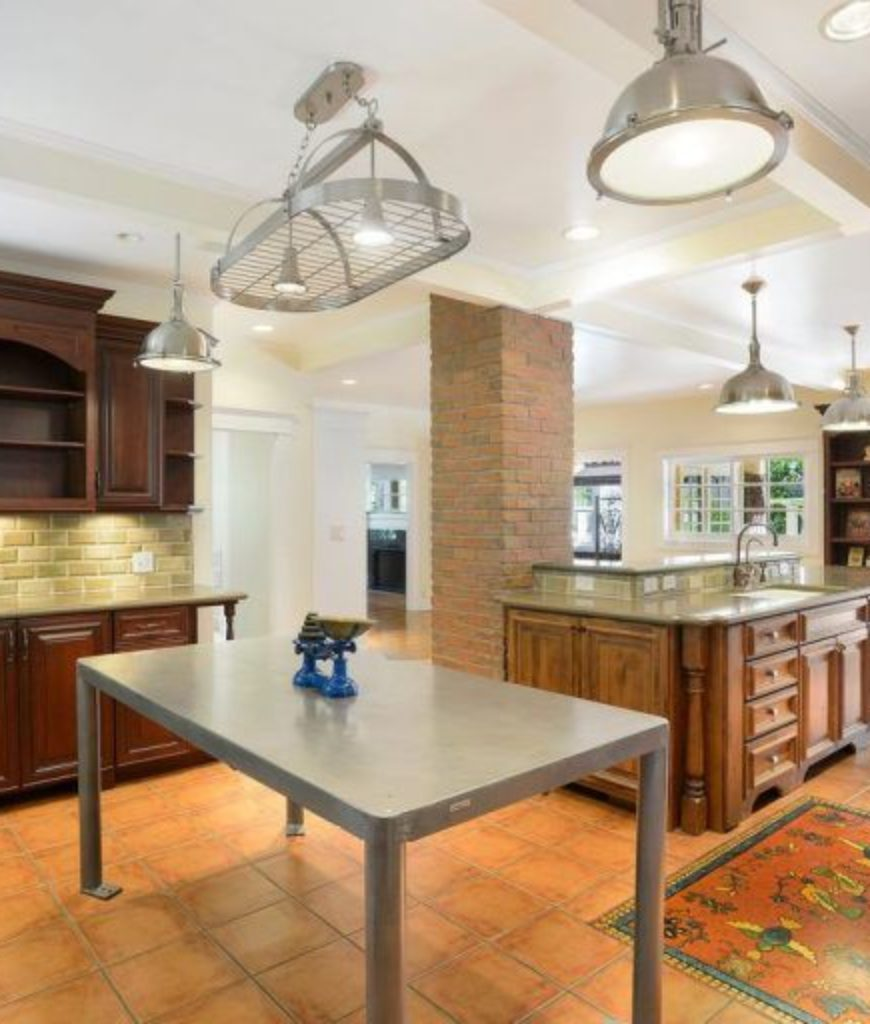 alfred-molina-west-hollywood-home-kitchen-091718
