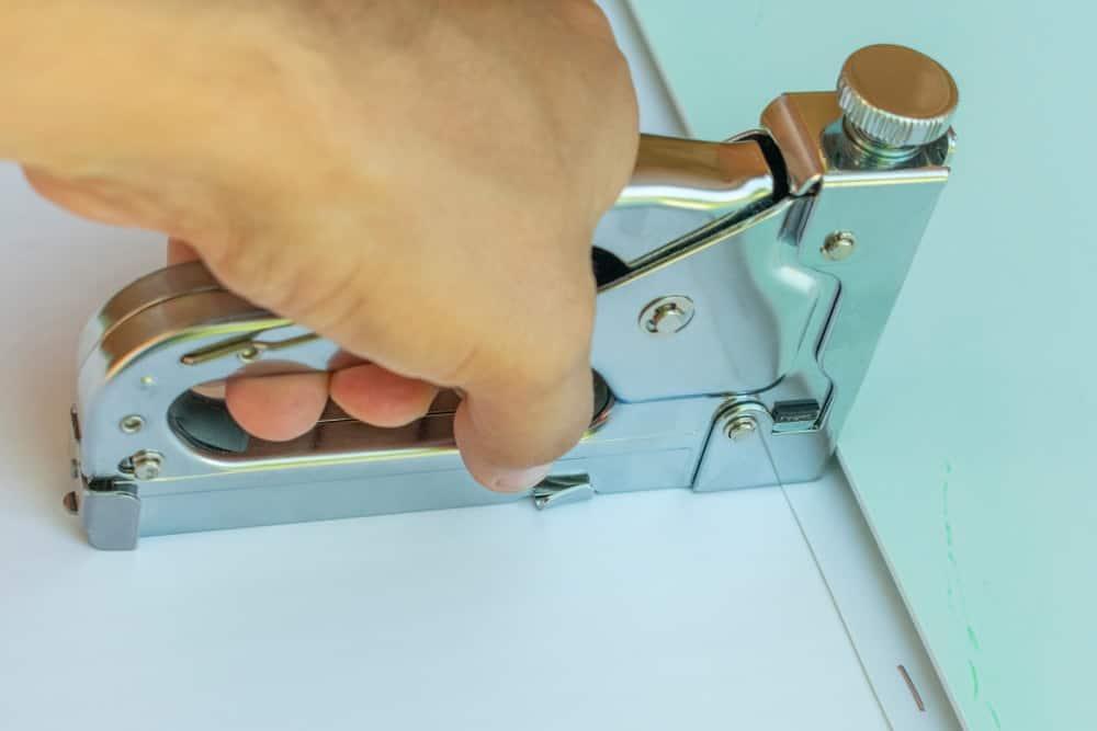Carpet stapler